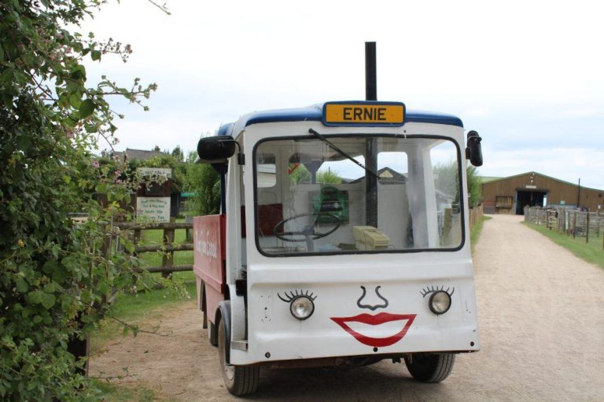 Ernie the milk float